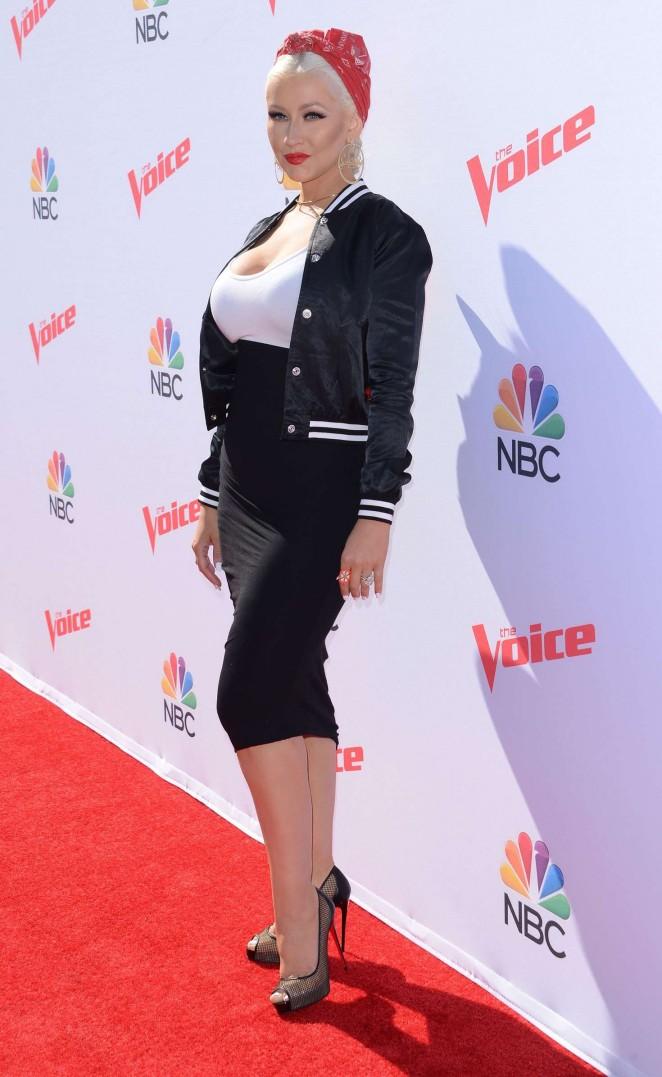 Christina Aguilera: The Voice Karaoke For Charity -15