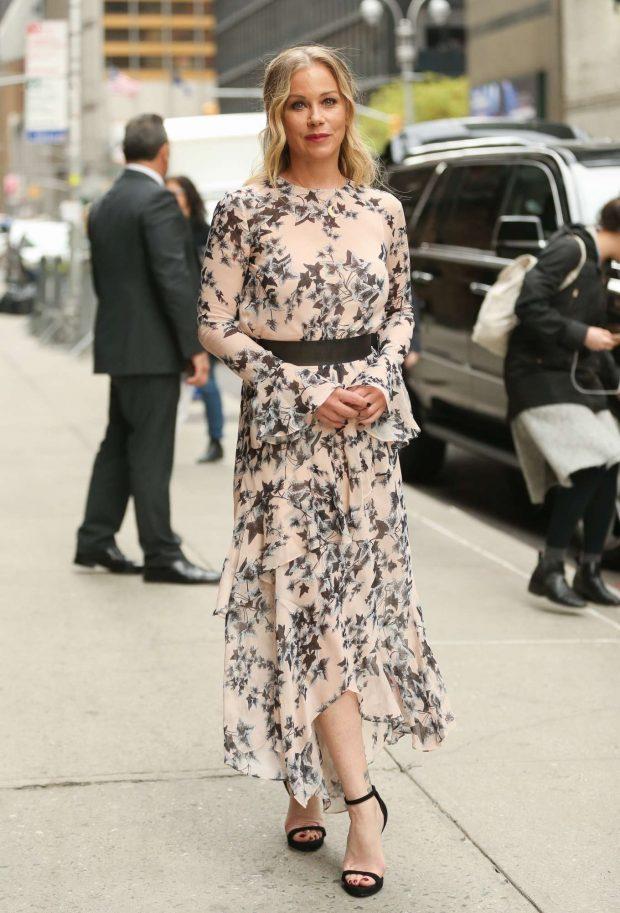 Christina Applegate in Floral Print Dress -02