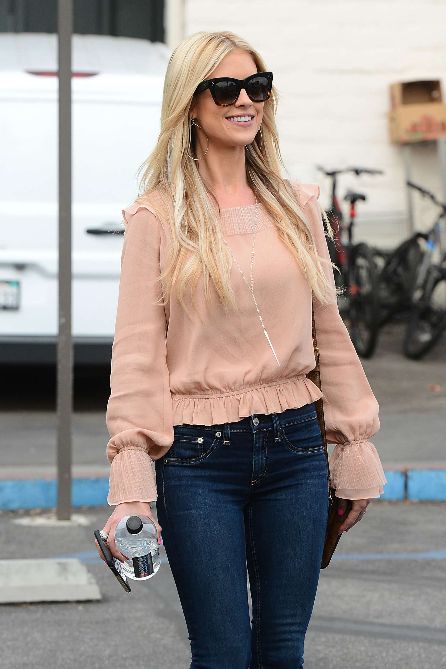 christina el moussa in jeans at the tavern in brentwood