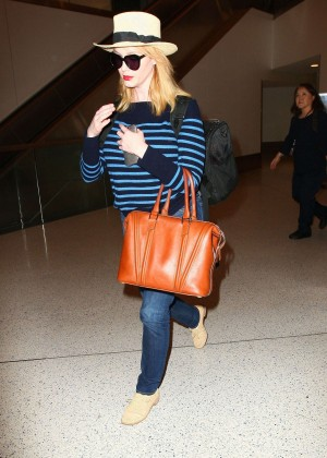 Christina Hendricks in Jeans at LAX -01