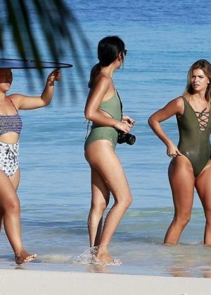 Christina Mendonca in Bikini and Swimsuit photoshoot in Cancun Pic 2 of 35