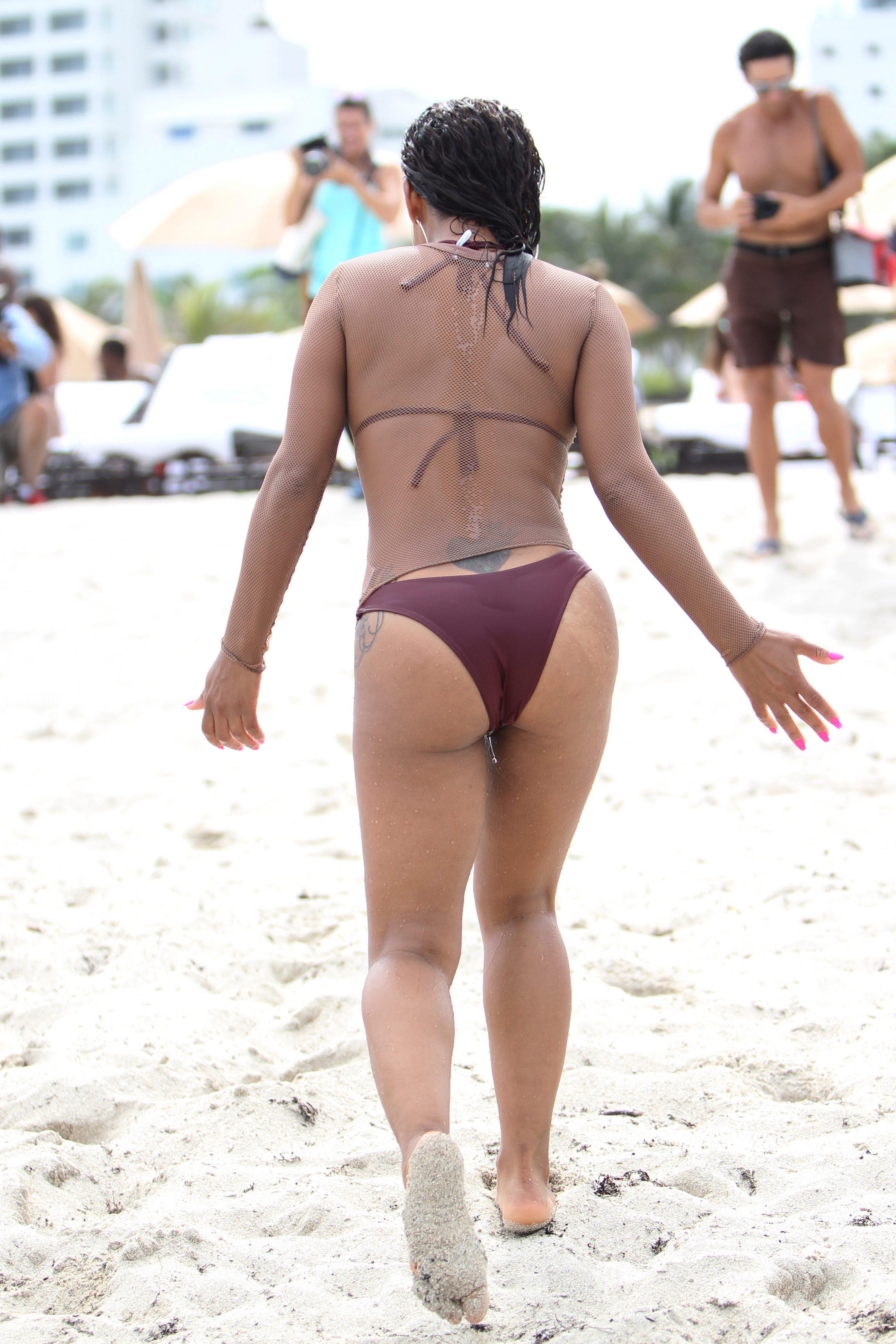 Christina Milian - Hot in bikini in Miami Beach