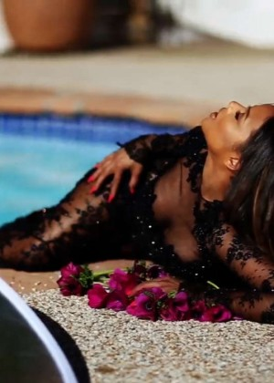 Christina Milian: Latina Mexico 2015 (Behind the Scenes) -01