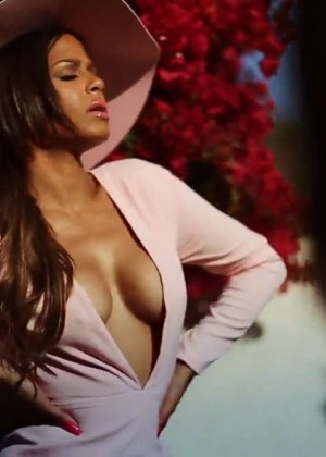 Christina Milian: Latina Mexico 2015 (Behind the Scenes) -03