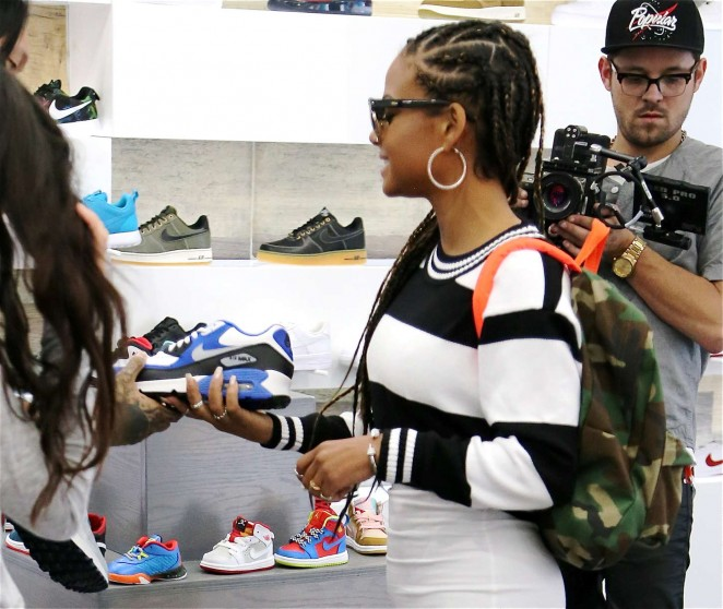Christina Milian: Sneaker Shopping -09