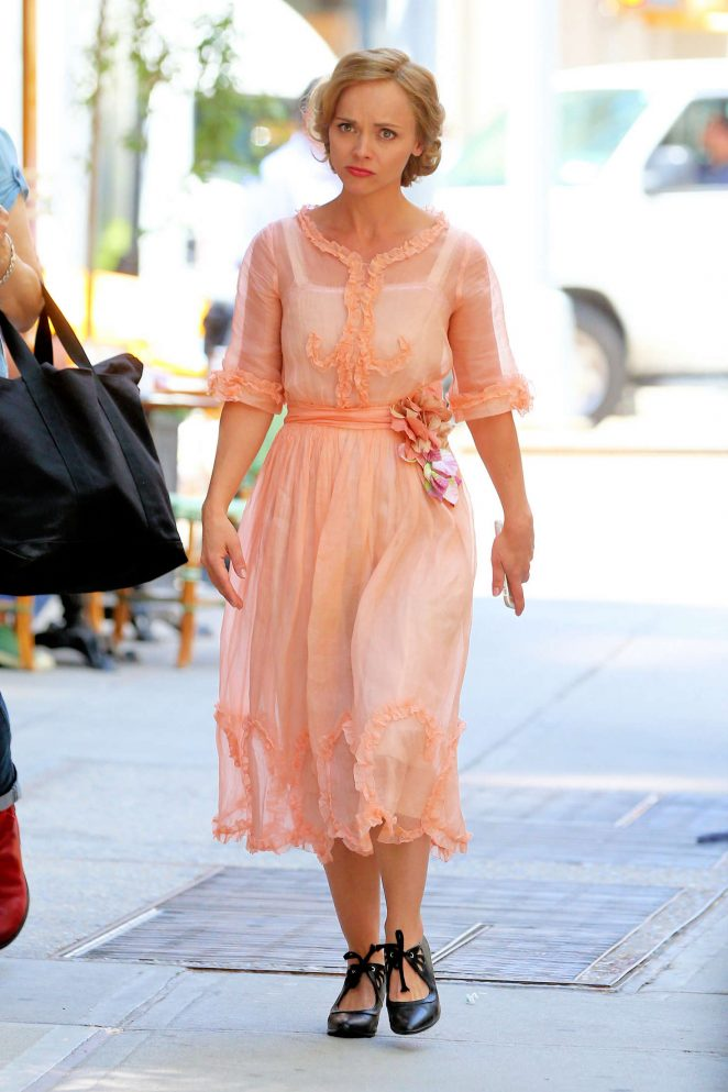 Christina Ricci - Filming 'The Beginning of Everything' in New York City