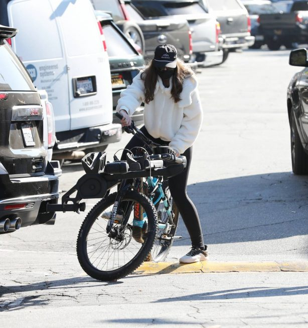 Christina Schwarzenegger - Out for a bike ride in Brentwood
