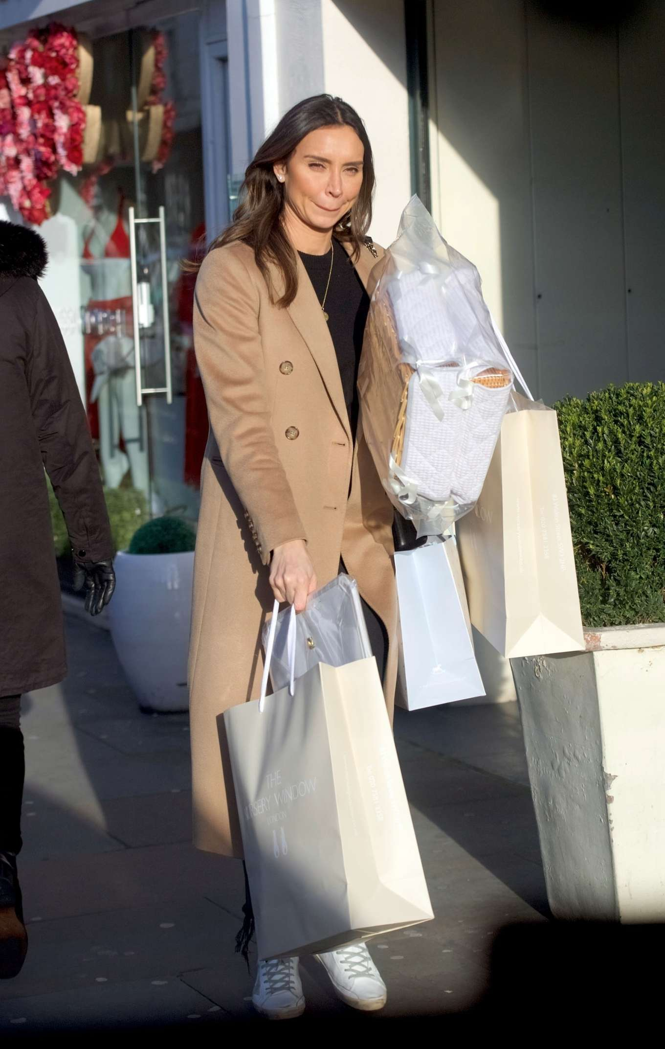 Christine Lampard 2020 : Christine Lampard – Shopping candids-01