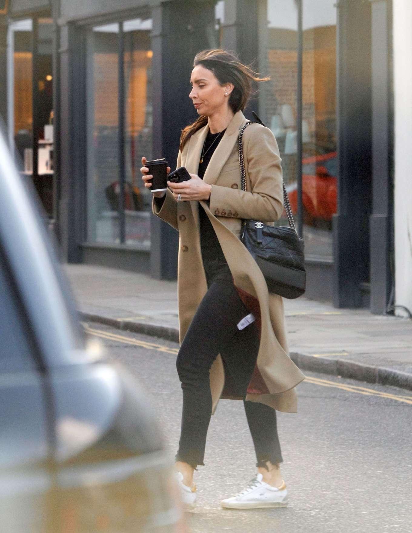 Christine Lampard 2020 : Christine Lampard – Shopping candids-04