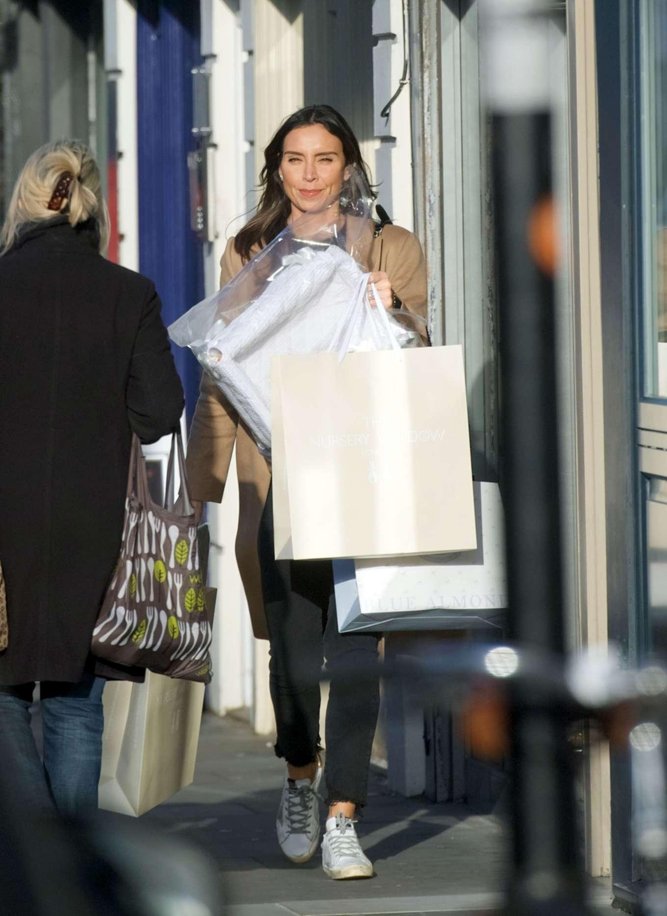 Christine Lampard 2020 : Christine Lampard – Shopping candids-11