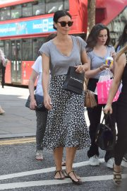 Christine Lampard - Shopping on Kings Road in London