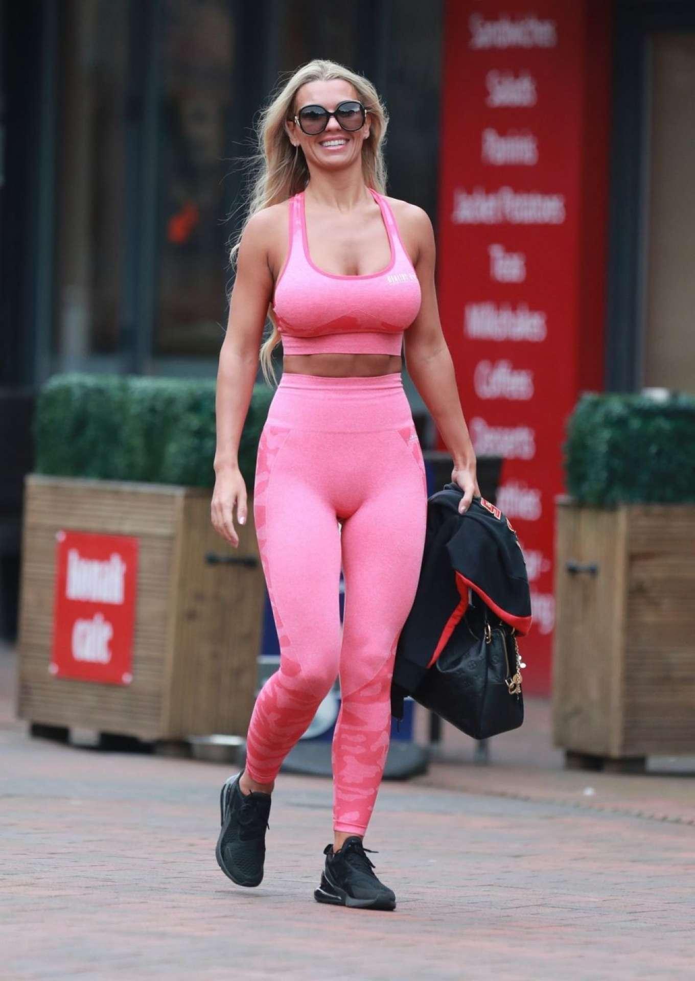 Christine McGuinness 2019 : Christine McGuinness in Pink Gym Wear-04