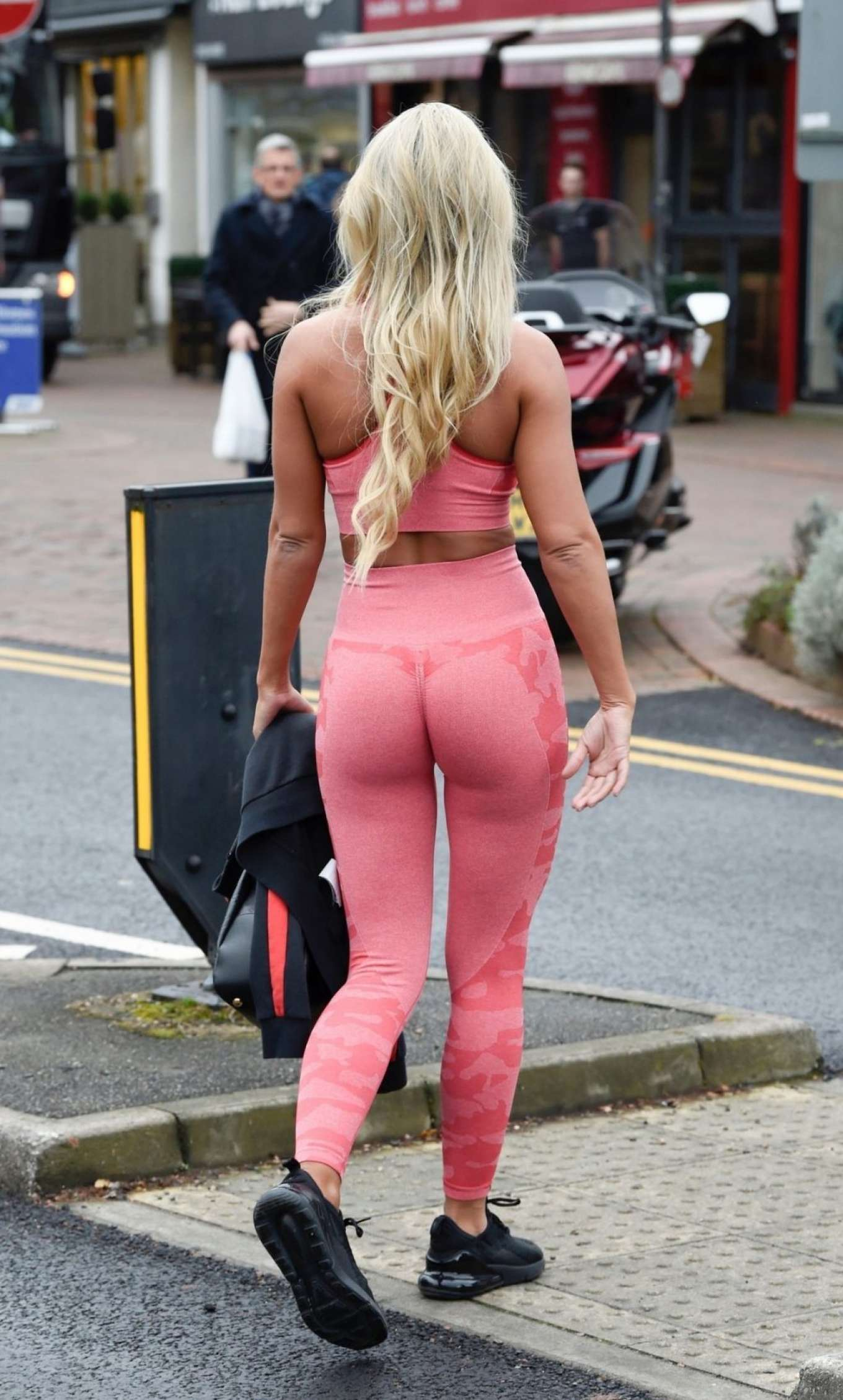 Christine McGuinness 2019 : Christine McGuinness in Pink Gym Wear-23