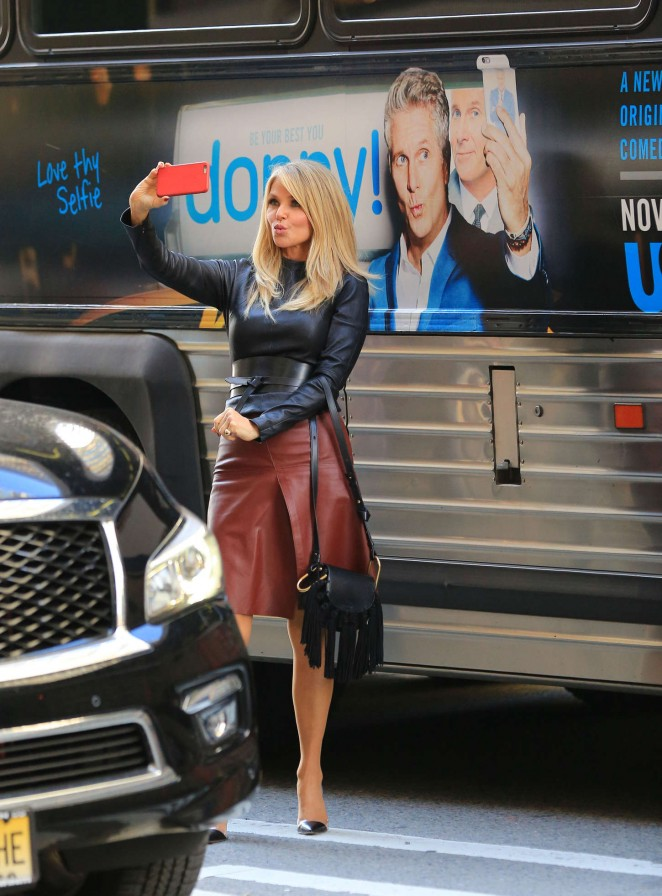 Christy Brinkley - Taking a selfie in New York