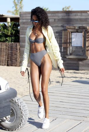 Cindy Bruna - Bikini candids at Verde Beach in St Tropez - France