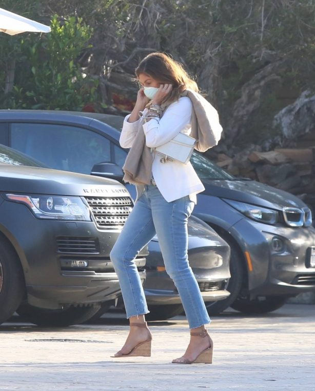 Cindy Crawford - Arrives at Soho House in Malibu