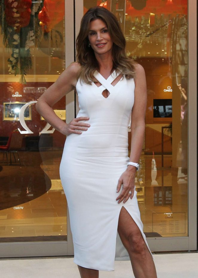 Cindy Crawford - Cuts a Ribbon at Omega Watches in Sydney
