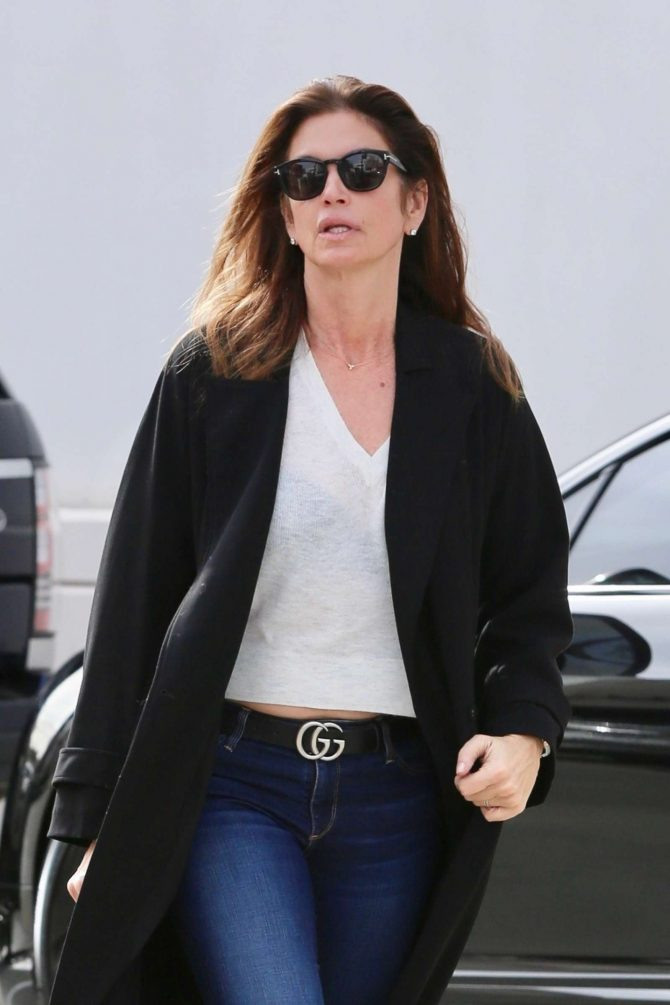 Cindy Crawford – Heads to the hair salon in Beverly Hills