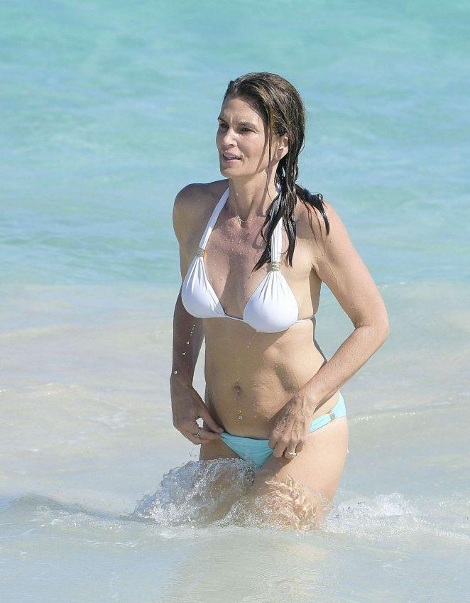 Cindy Crawford Bikini Photos 91