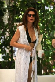 Cindy Crawford in Bikini - On Vacation in Miami
