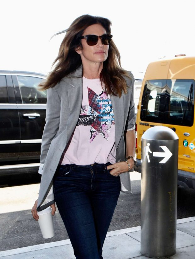 Cindy Crawford in Jeans: Hits at LAX -11