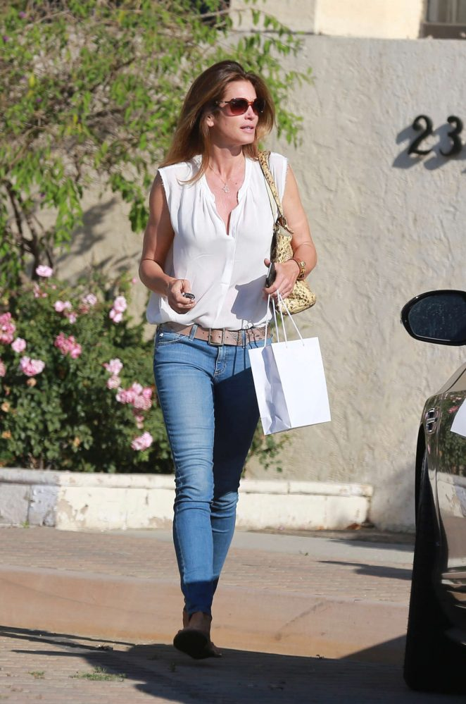 Cindy Crawford in Jeans shopping in Malibu
