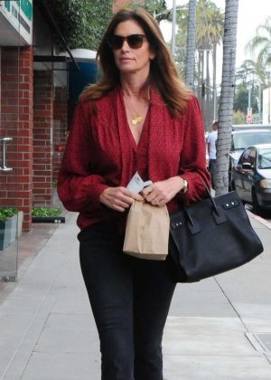 Cindy Crawford - Leaving a doctors office in Beverly Hills