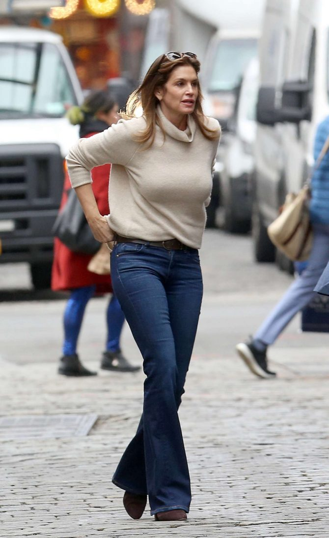 Cindy Crawford – Out and about in New York City