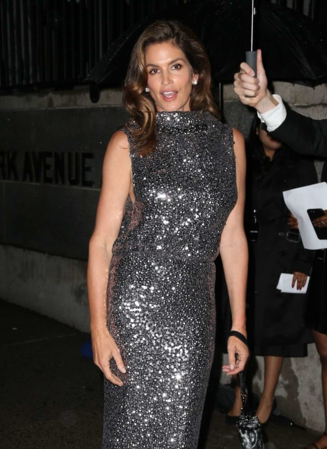 Cindy Crawford - Tom Ford Fashion Show in New York