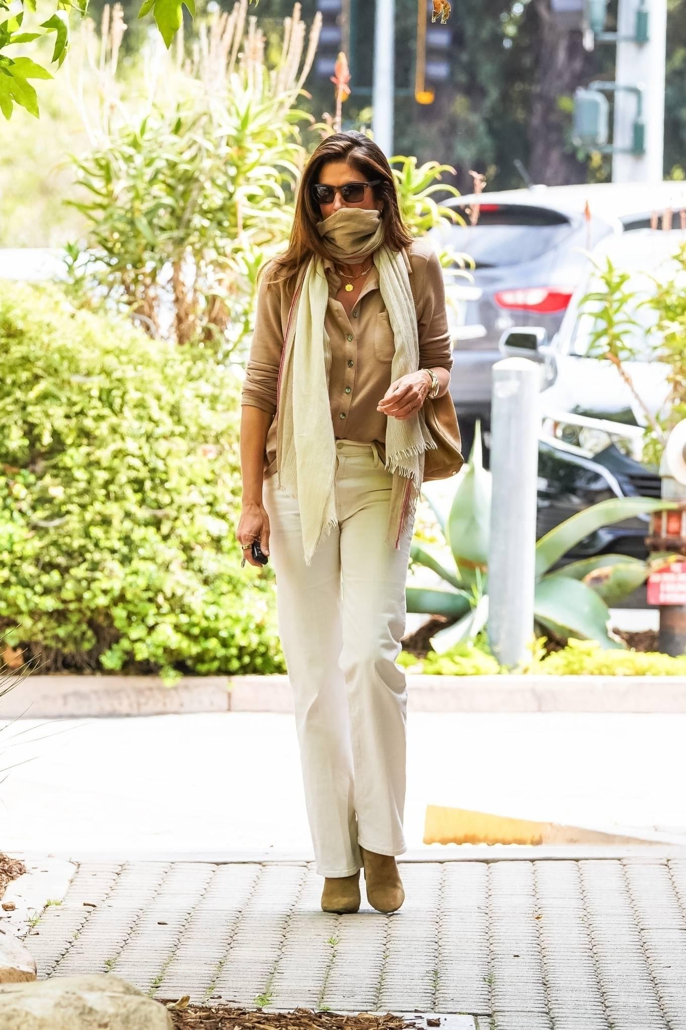 Cindy Crawford 2021 : Cindy Crawford – Visit Cafe Habana in Malibu-08