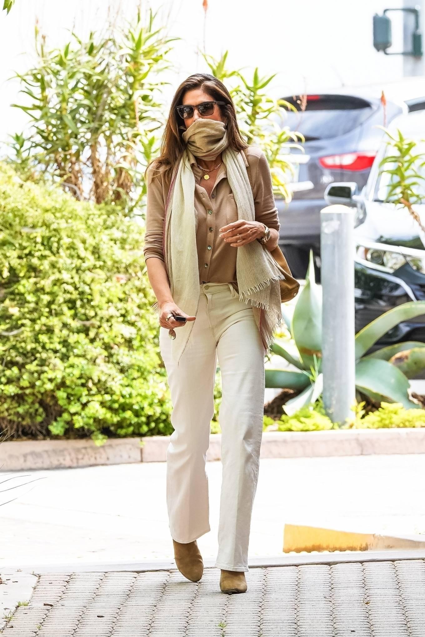 Cindy Crawford 2021 : Cindy Crawford – Visit Cafe Habana in Malibu-14