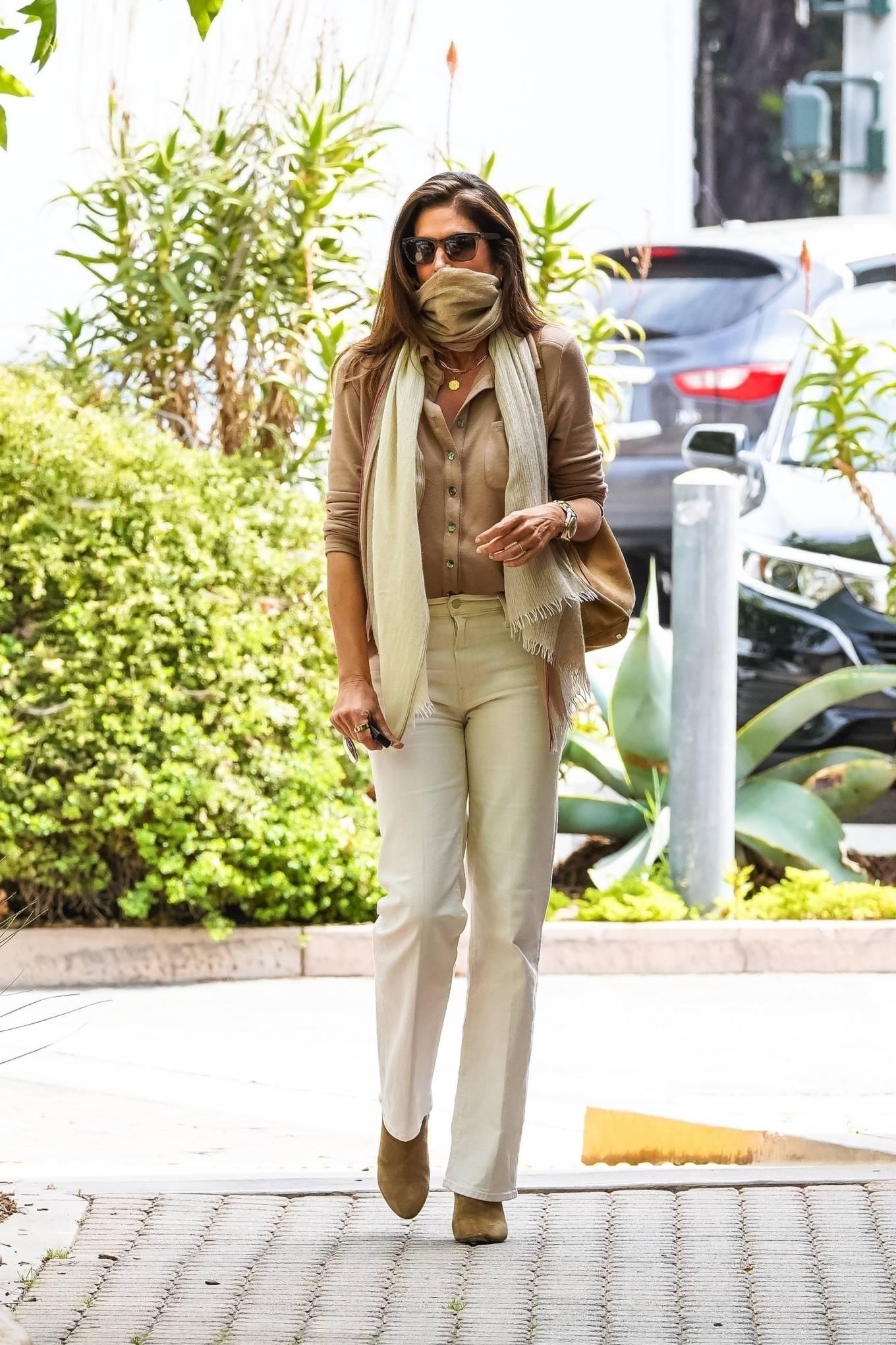 Cindy Crawford 2021 : Cindy Crawford – Visit Cafe Habana in Malibu-17