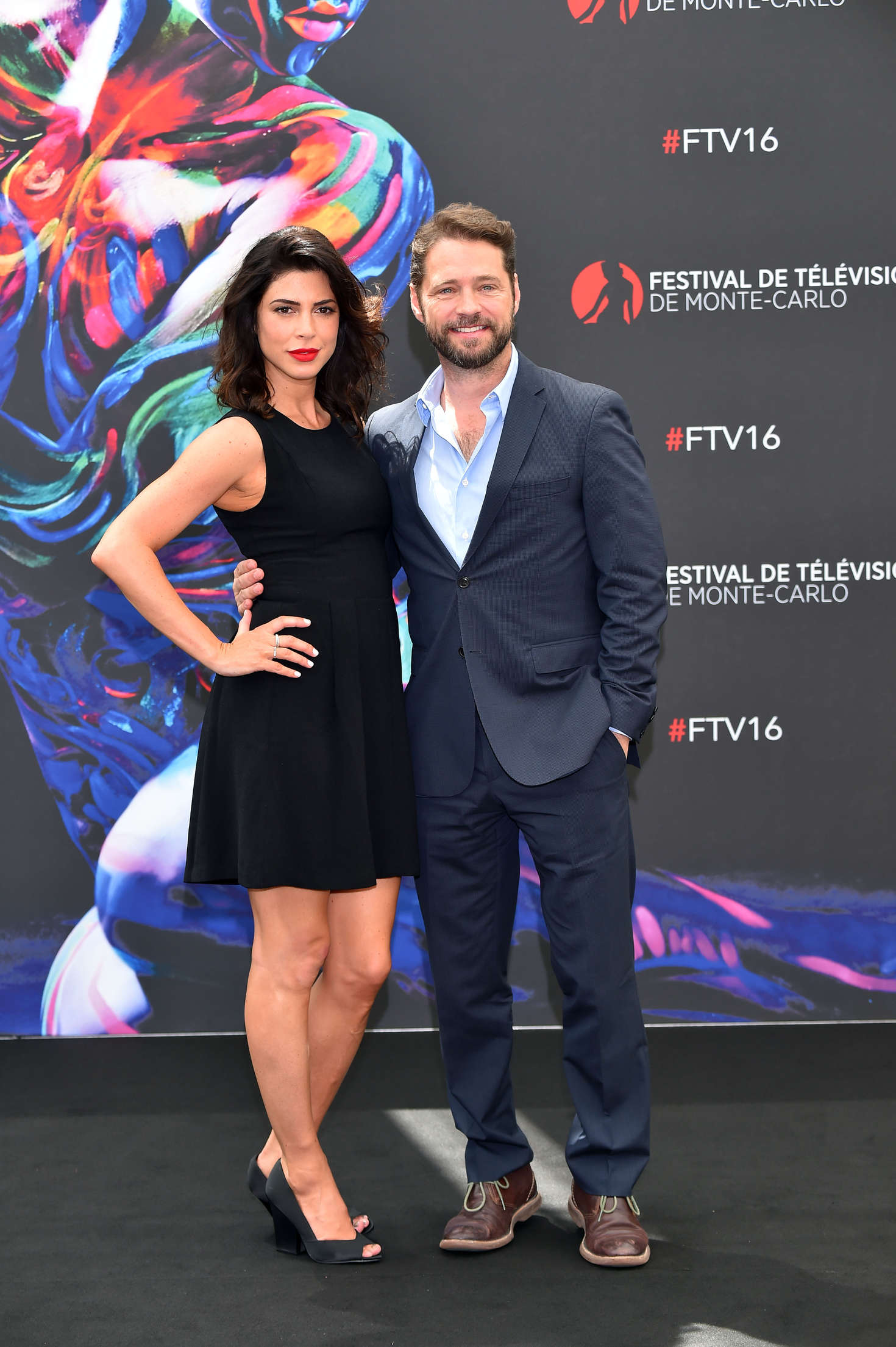 Cindy Sampson: Private Eyes Photocall -08 - GotCeleb