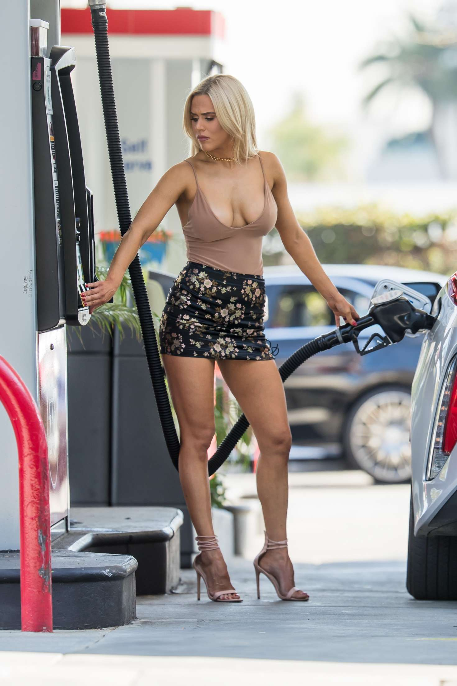 Cj Perry Lana At Gas Station In Beverly Hills Gotceleb