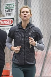 Claire Danes - Jogging in New York
