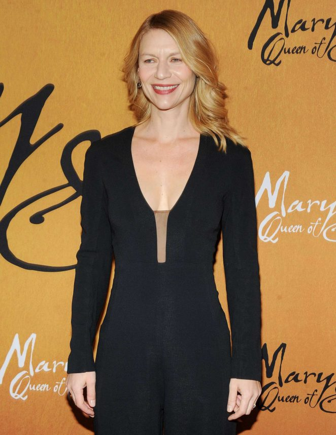 Claire Danes - 'Mary, Queen of Scots' Premiere in New York
