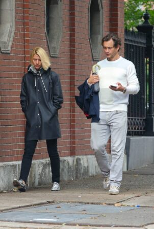 Claire Danes - Out in a raincoat with her husband Hugh Dancy in New York