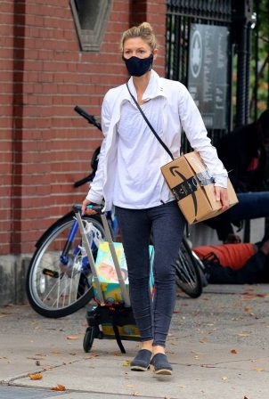 Claire Danes - Seen out in Downtown Manhattan
