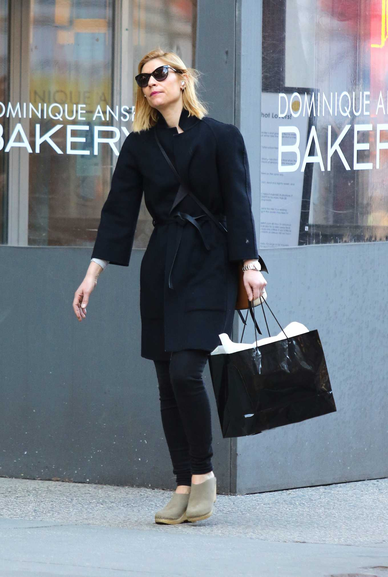 Claire Danes - Shopping candids around Manhattan's Soho
