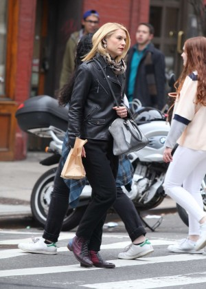 Claire Danes - Shopping in Lower Manhattan in NY