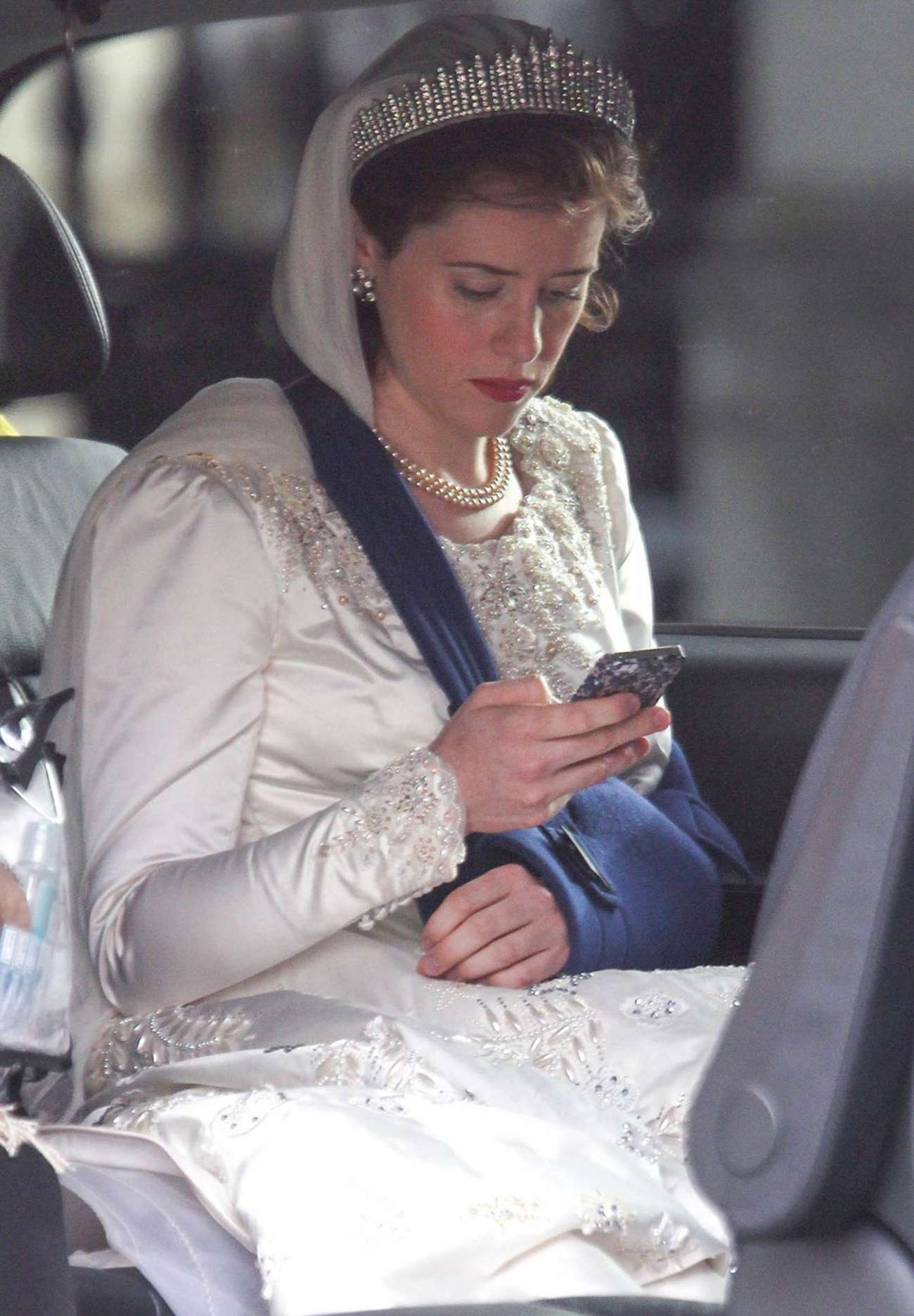Claire Foy 2015 : Claire Foy: OnThe Crown set -01