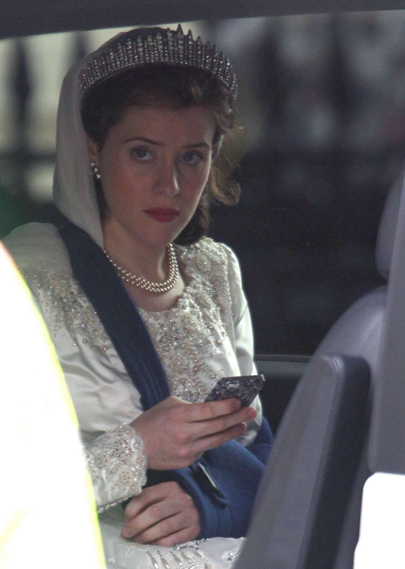 Claire Foy 2015 : Claire Foy: OnThe Crown set -02
