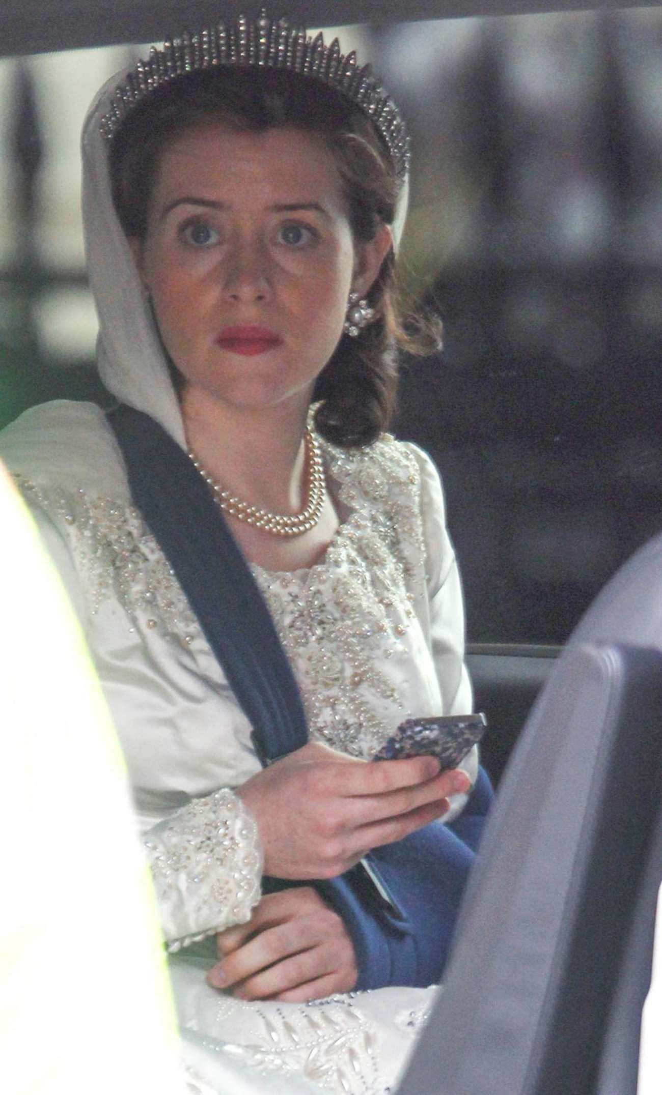 Claire Foy 2015 : Claire Foy: OnThe Crown set -06