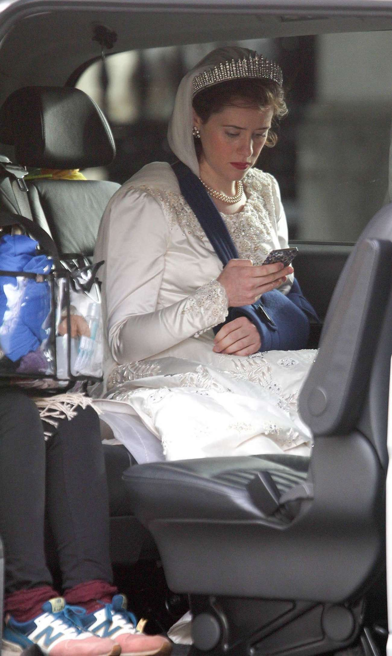 Claire Foy 2015 : Claire Foy: OnThe Crown set -07
