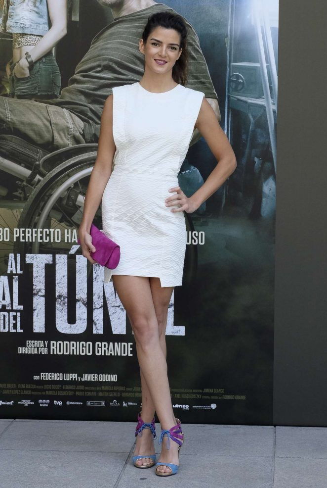 clara lago at the end of the tunnel photocall 10 � gotceleb
