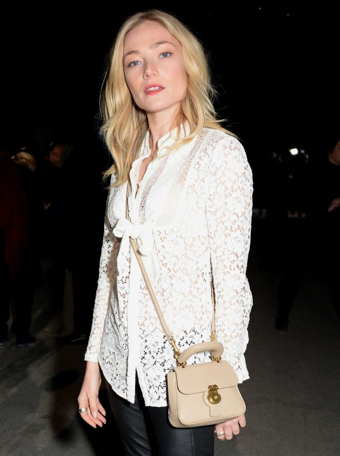 Clara Paget - Burberry Fashion Show 2018 in London