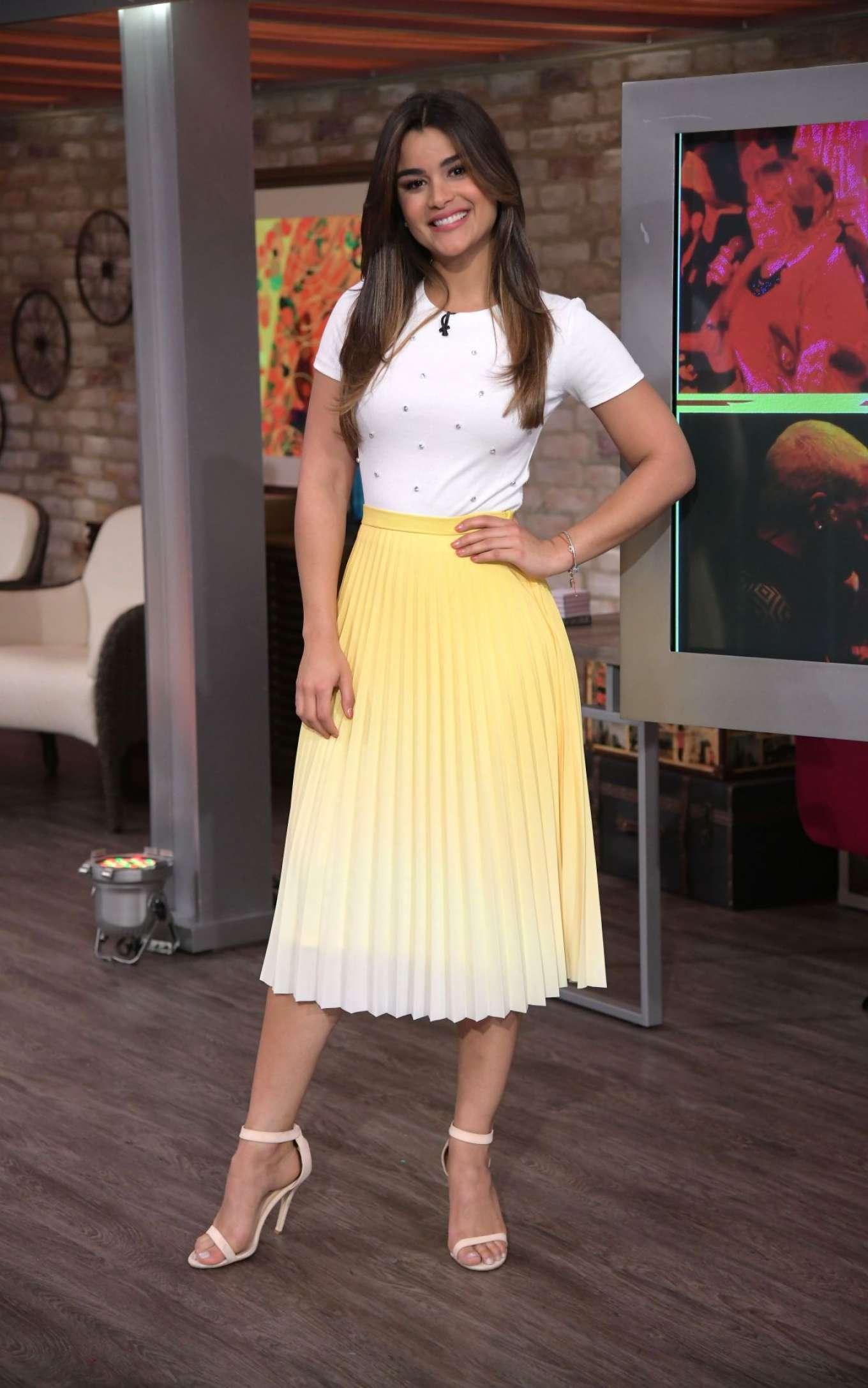 Clarissa Molina - El Dordo y La Flaca Show in Miami