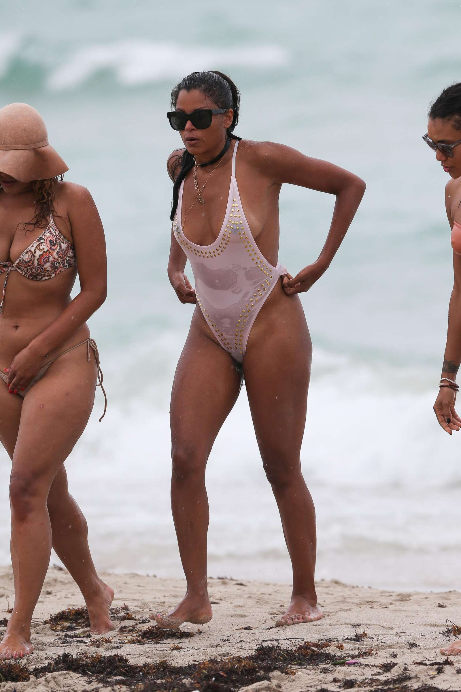 Claudia alende bikini at a beach in los angeles - 2 part 5