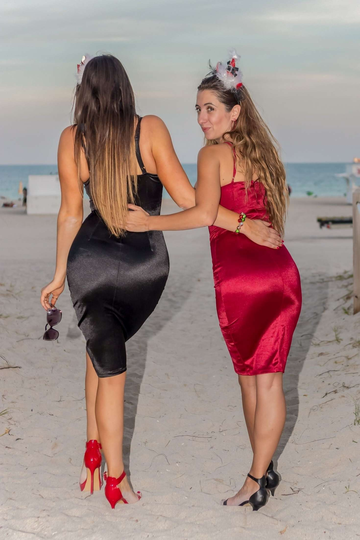 Claudia Romani And Lauren Francesca On Miami Beach 02 Gotceleb Lauren francesca @laurenfrancesca turn on my notifications for a duet! gotceleb