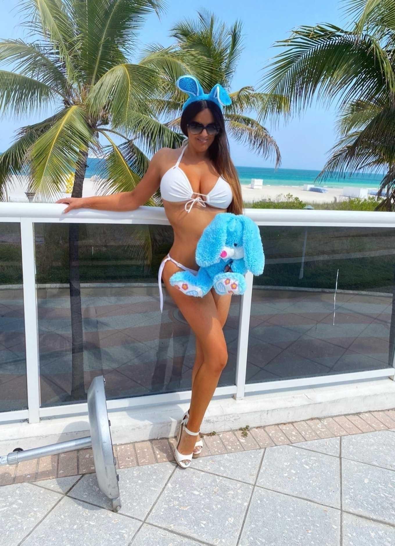 Claudia Romani 2020 : Claudia Romani – Bikini photoshoot for Easter-01